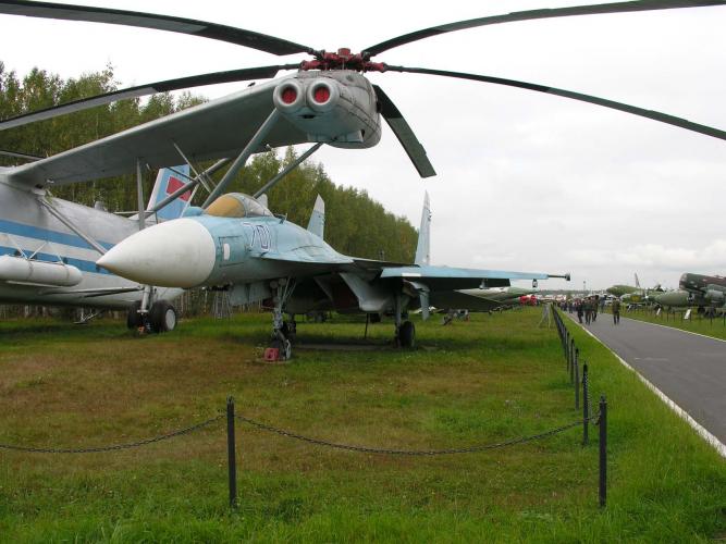 Никлаус Вирт и самолеты. Монино, 2005